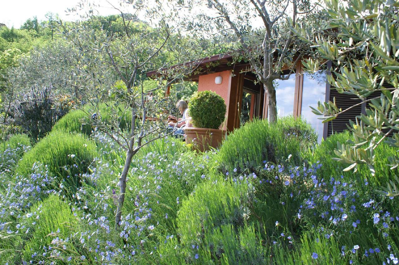 Ferienhaus Bungalow über dem Gardasee mit malerischem Garten,See- und Bergblick (2575328), Gardola, Gardasee, Lombardei, Italien, Bild 22