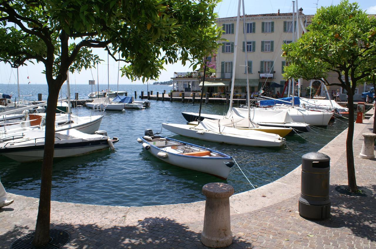 Ferienhaus Bungalow über dem Gardasee mit malerischem Garten,See- und Bergblick (2575328), Gardola, Gardasee, Lombardei, Italien, Bild 27