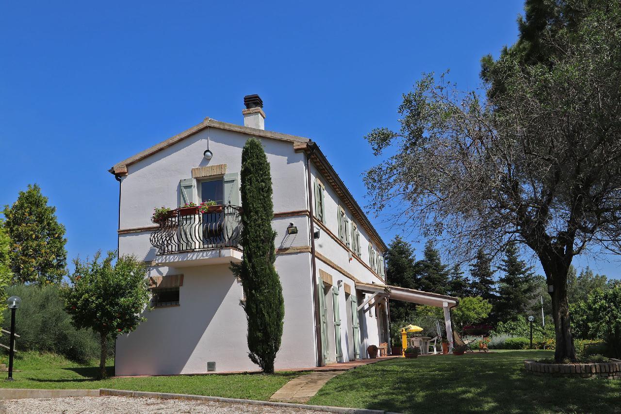 Ferienhaus Private Villa mit Pool, 9 Schlafplätze, 3 Schlafzimmer, WLAN, Klimaanlage, Panoramablick (2575332), Corinaldo, Ancona, Marken, Italien, Bild 23
