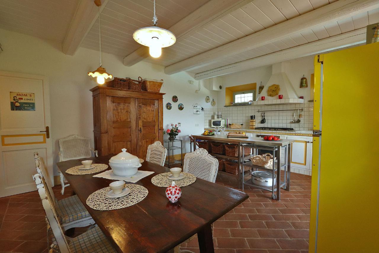 Ferienhaus Private Villa mit Pool, 9 Schlafplätze, 3 Schlafzimmer, WLAN, Klimaanlage, Panoramablick (2575332), Corinaldo, Ancona, Marken, Italien, Bild 4