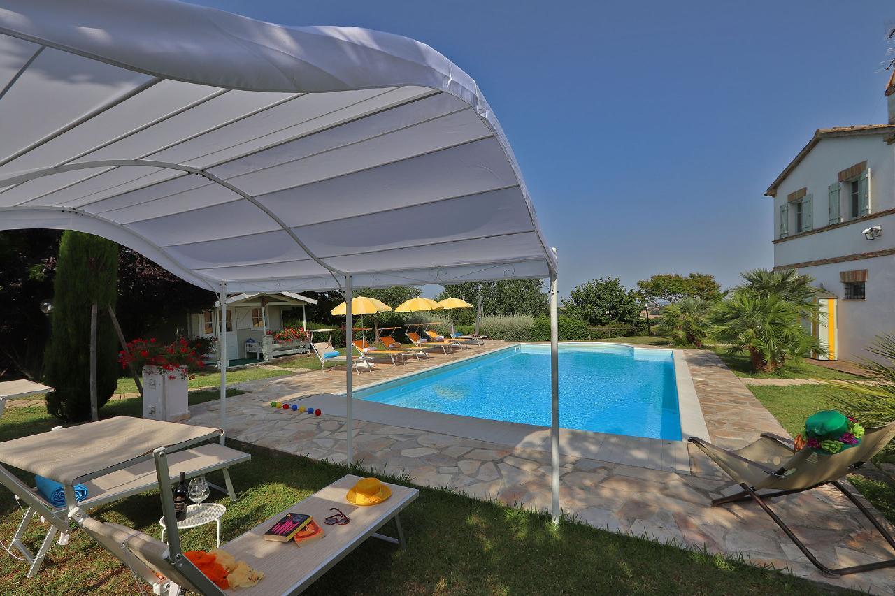 Ferienhaus Private Villa mit Pool, 9 Schlafplätze, 3 Schlafzimmer, WLAN, Klimaanlage, Panoramablick (2575332), Corinaldo, Ancona, Marken, Italien, Bild 2