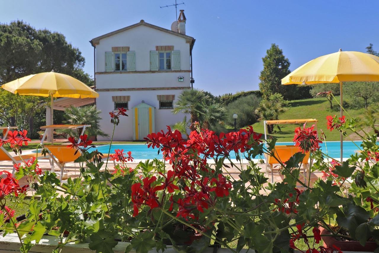 Ferienhaus Private Villa mit Pool, 9 Schlafplätze, 3 Schlafzimmer, WLAN, Klimaanlage, Panoramablick (2575332), Corinaldo, Ancona, Marken, Italien, Bild 6