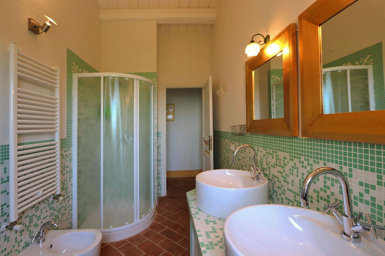 Ferienhaus Private Villa mit Pool, 9 Schlafplätze, 3 Schlafzimmer, WLAN, Klimaanlage, Panoramablick (2575332), Corinaldo, Ancona, Marken, Italien, Bild 12