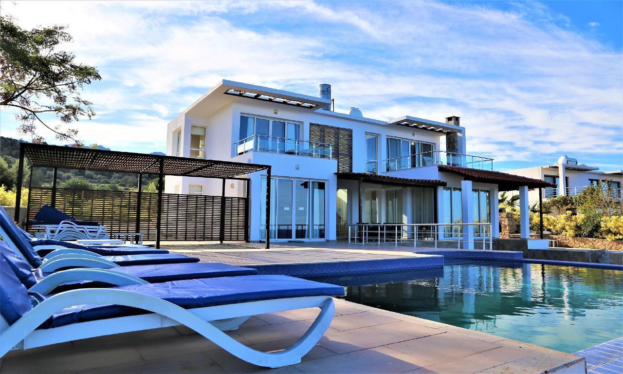 OCEANVIEW Villa - Exklusiver privater Pool, kostenloses WIFI, exzellenter Meerblick und Sonnenuntergänge für 2-10 Personen