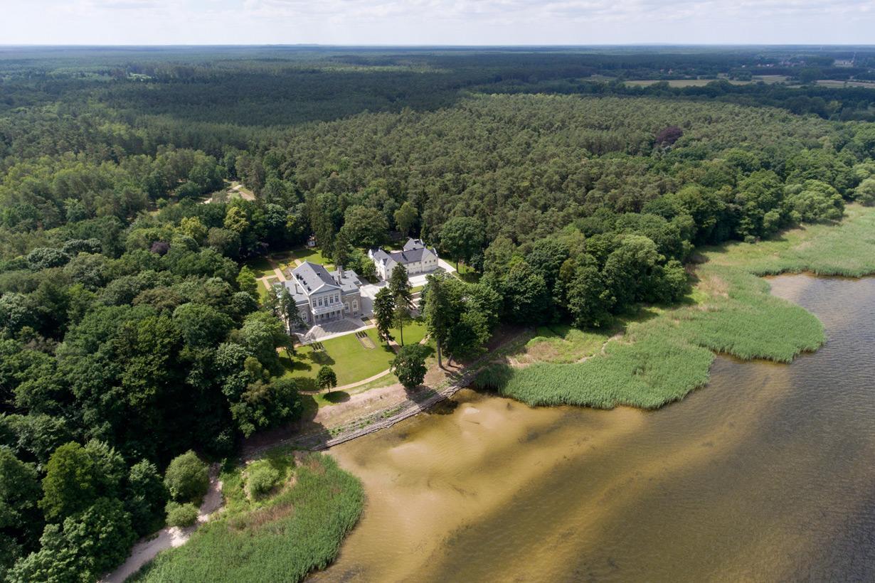 Schloss Manowce Besondere Immobilie in Polen