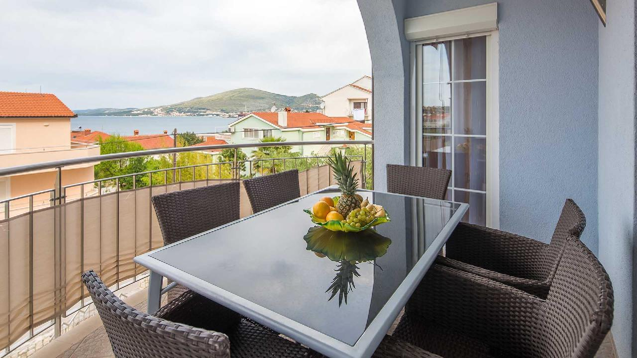 Ferienwohnung Modernes Holiday Apartment Delight I. - EOS-CROATIA (2790029), Okrug Gornji, Insel Ciovo, Dalmatien, Kroatien, Bild 1