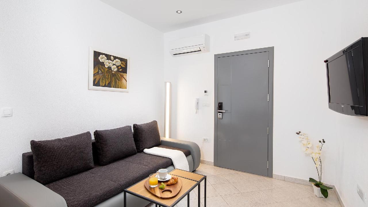 Ferienwohnung Charming Apartment Delight II. - EOS-CROATIA (2790032), Okrug Gornji, Insel Ciovo, Dalmatien, Kroatien, Bild 6