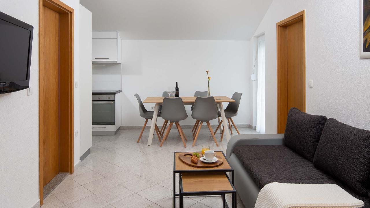 Ferienwohnung Charming Apartment Delight II. - EOS-CROATIA (2790032), Okrug Gornji, Insel Ciovo, Dalmatien, Kroatien, Bild 9