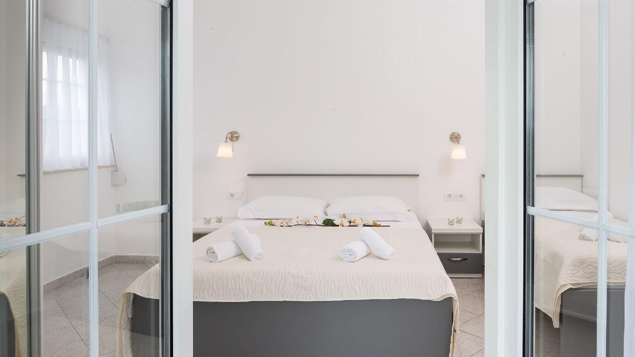 Ferienwohnung Charming Apartment Delight II. - EOS-CROATIA (2790032), Okrug Gornji, Insel Ciovo, Dalmatien, Kroatien, Bild 3