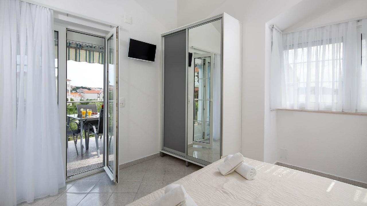 Ferienwohnung Charming Apartment Delight II. - EOS-CROATIA (2790032), Okrug Gornji, Insel Ciovo, Dalmatien, Kroatien, Bild 5