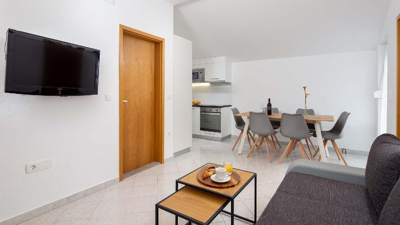 Ferienwohnung Charming Apartment Delight II. - EOS-CROATIA (2790032), Okrug Gornji, Insel Ciovo, Dalmatien, Kroatien, Bild 8
