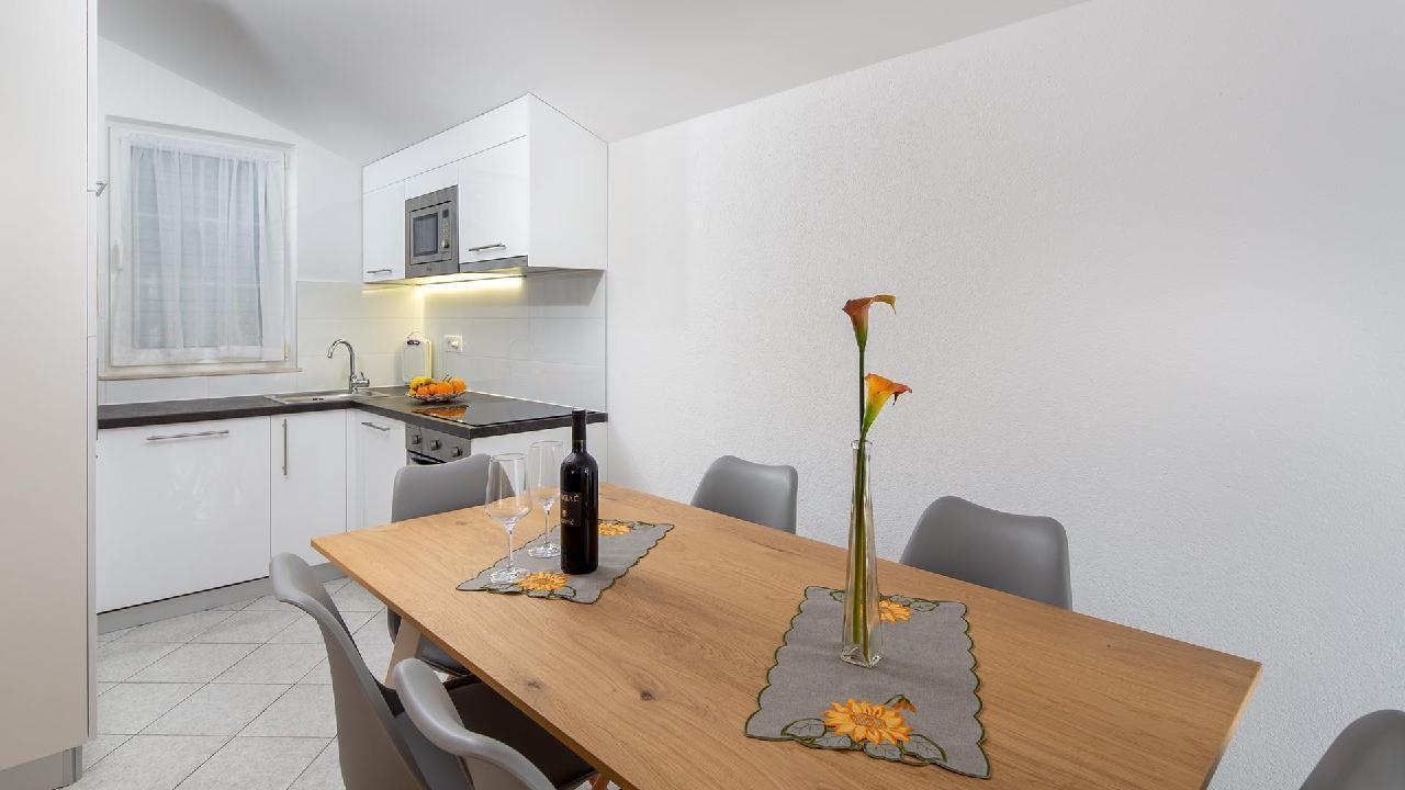 Ferienwohnung Charming Apartment Delight II. - EOS-CROATIA (2790032), Okrug Gornji, Insel Ciovo, Dalmatien, Kroatien, Bild 7