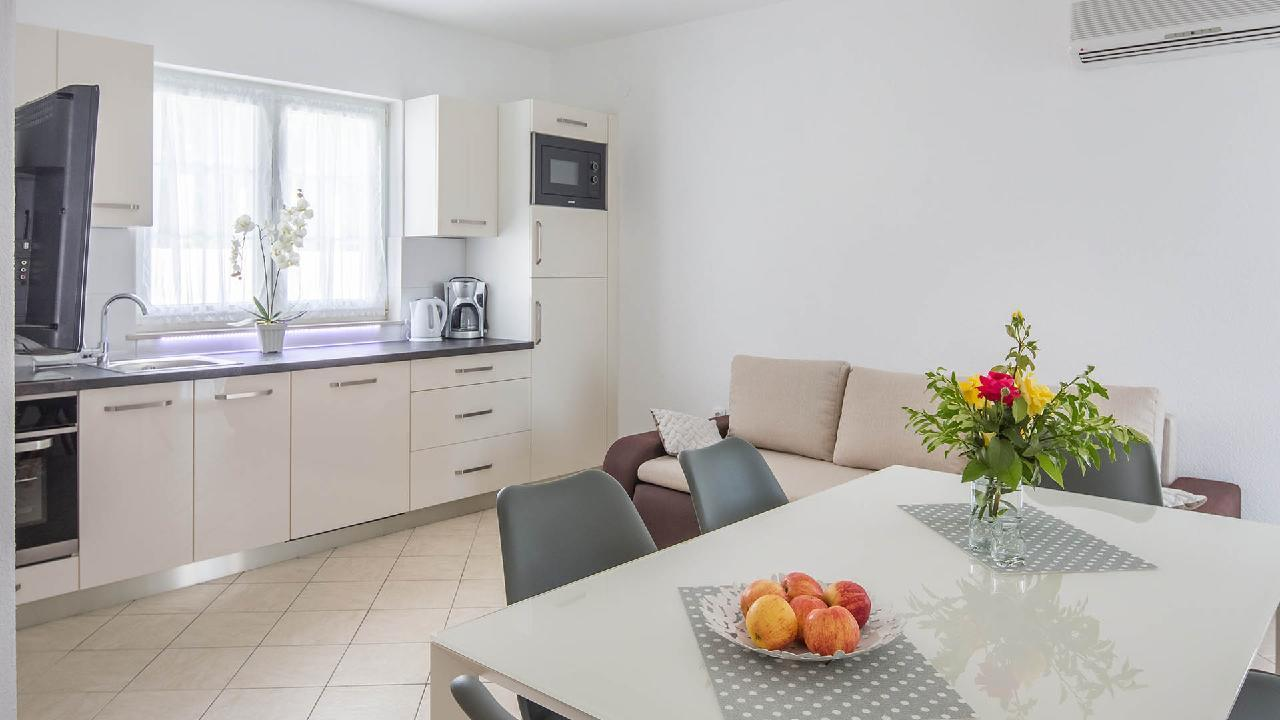 Ferienwohnung Modern apartment Delight III. - EOS-CROATIA (2790034), Okrug Gornji, Insel Ciovo, Dalmatien, Kroatien, Bild 3