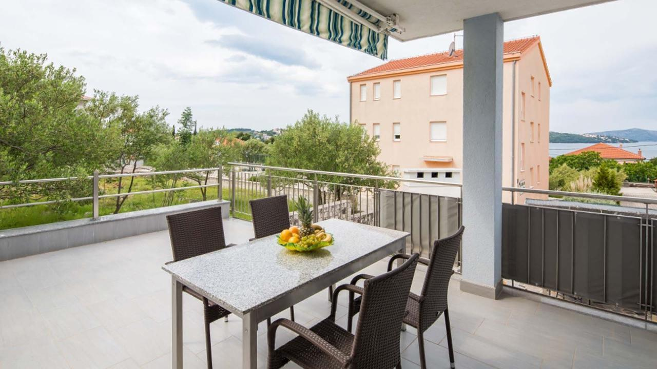 Ferienwohnung Modern apartment Delight III. - EOS-CROATIA (2790034), Okrug Gornji, Insel Ciovo, Dalmatien, Kroatien, Bild 1