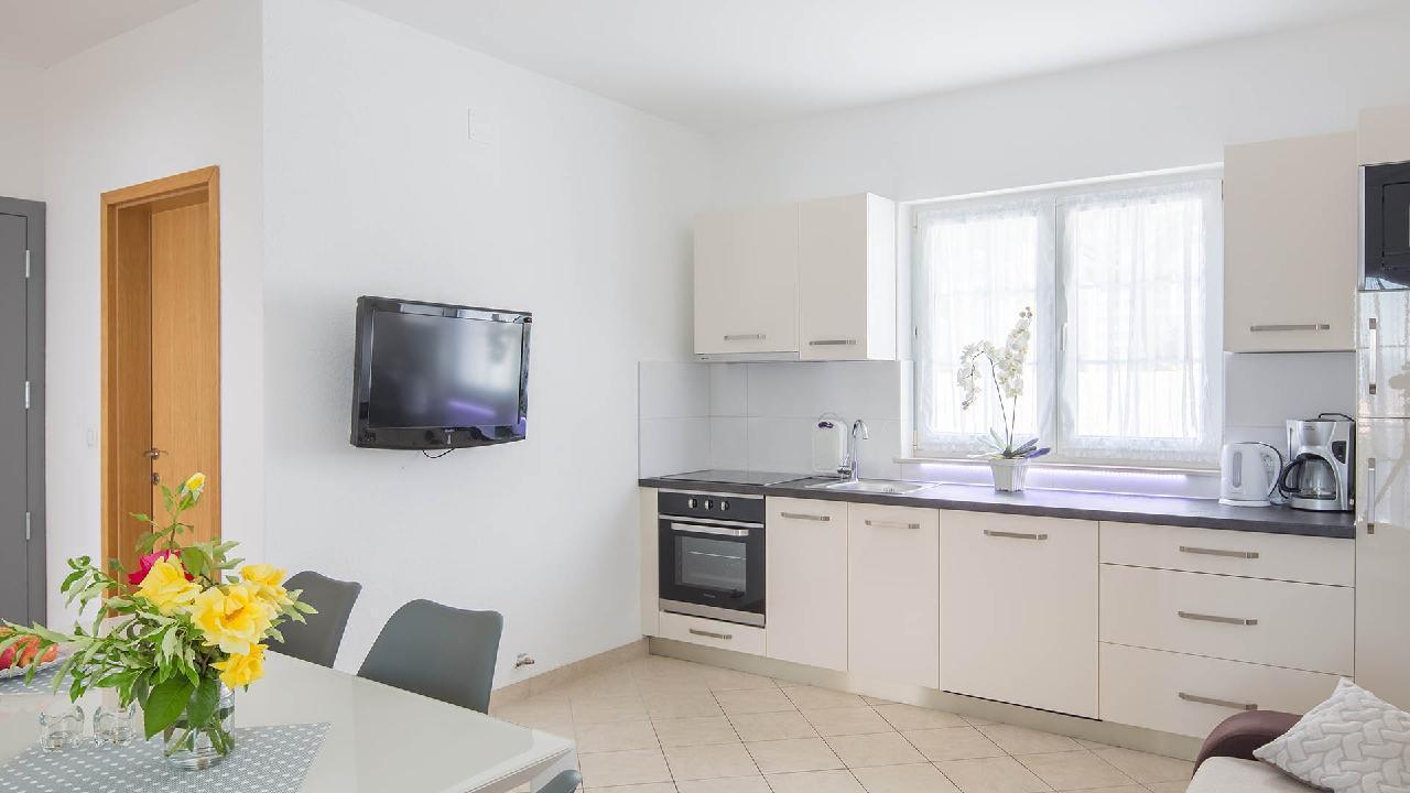 Ferienwohnung Modern apartment Delight III. - EOS-CROATIA (2790034), Okrug Gornji, Insel Ciovo, Dalmatien, Kroatien, Bild 2
