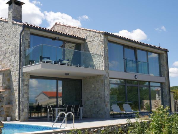 Maison de vacances Villa Paradise mit Pool und teilweise Meerblick (2819866), Vrbnik, Île de Krk, Kvarner, Croatie, image 1