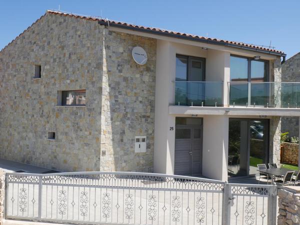 Maison de vacances Villa Paradise mit Pool und teilweise Meerblick (2819866), Vrbnik, Île de Krk, Kvarner, Croatie, image 3