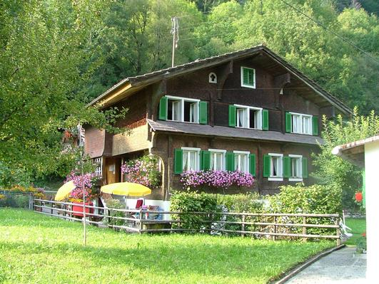house besides the lake of Lungern - Property number: 479474