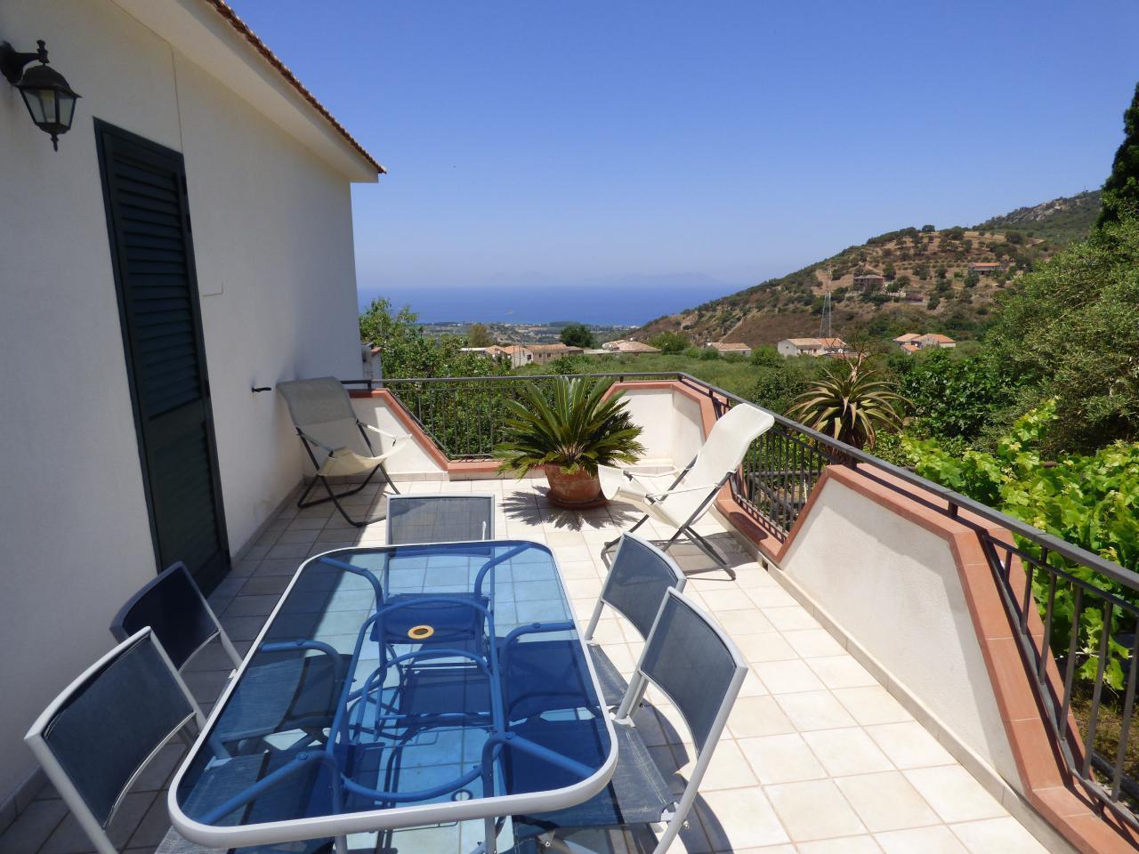 Ferienhaus Villa Maria ein schönes Landhaus in einer ruhigen und sonnige lage mit Blick auf den Eolie (482652), Patti, Messina, Sizilien, Italien, Bild 4