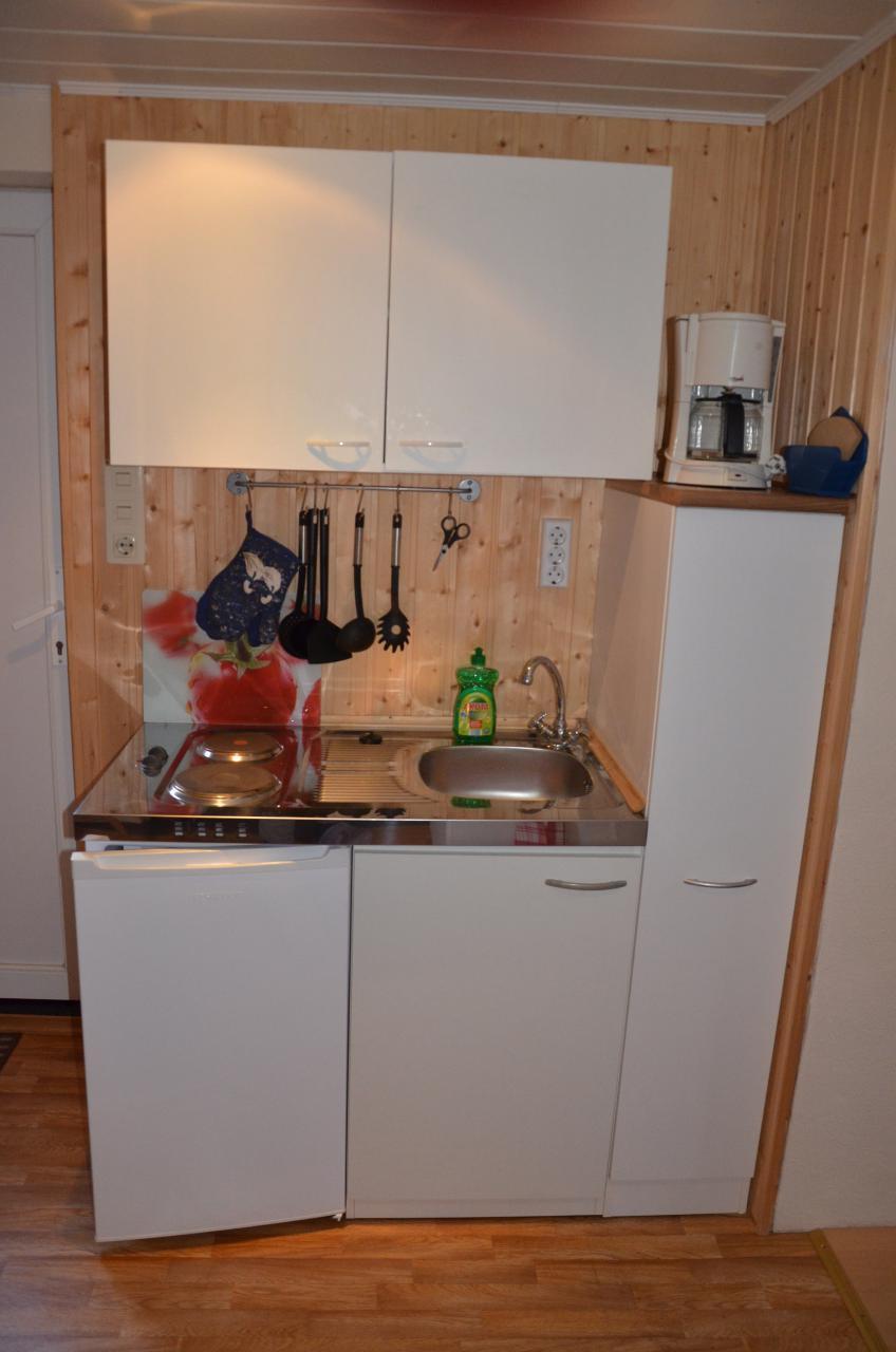 Unten, kleine Küchenzeile
