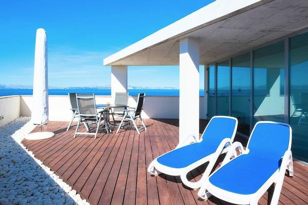Luxuri se designvilla dachterrasse mit meerblick pool for Kapfer pool design mallorca