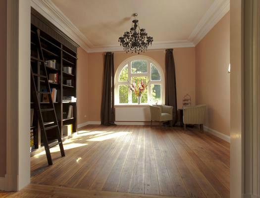 das besondere ferienhaus auf qm waldgrundst ck von schloss bredeneek. Black Bedroom Furniture Sets. Home Design Ideas