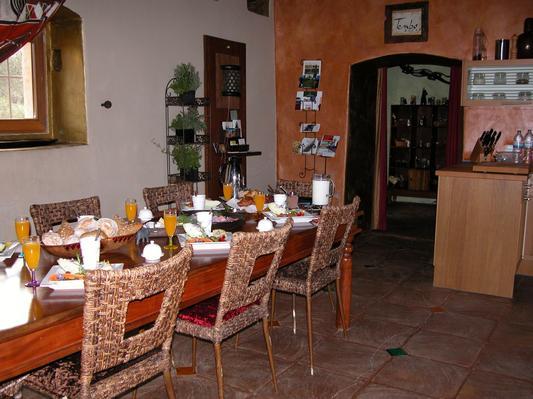 Ferienhaus Exklusive Villa in idyllischer Lage, gr. Veranda, Salzwasser-Pool, Kräutergarten (660572), Vimieiro, , Alentejo, Portugal, Bild 2