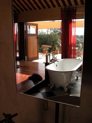 Ferienhaus Exklusive Villa in idyllischer Lage, gr. Veranda, Salzwasser-Pool, Kräutergarten (660572), Vimieiro, , Alentejo, Portugal, Bild 8