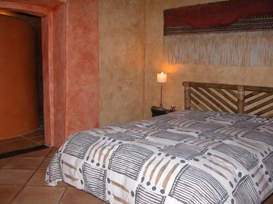 Ferienhaus Exklusive Villa in idyllischer Lage, gr. Veranda, Salzwasser-Pool, Kräutergarten (660572), Vimieiro, , Alentejo, Portugal, Bild 9