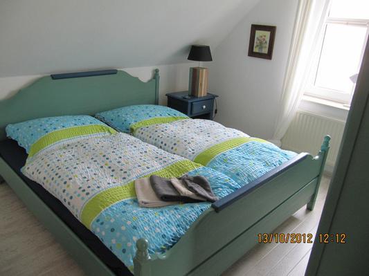 OG- Schlafzimmer 1