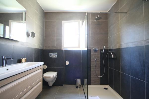 ... mit dusche oder badewanne badzimmer mit dusche oder badewanne