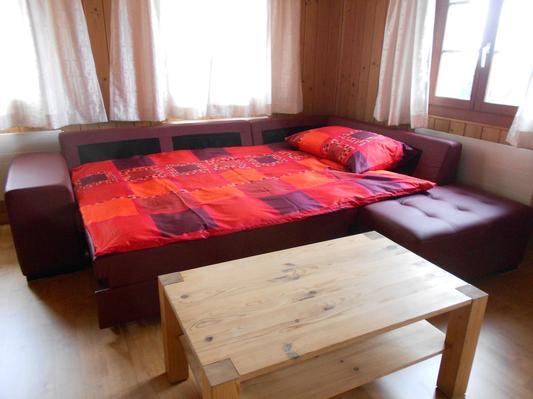 Per 6 persone il divano diventa un letto matrimoniale.
