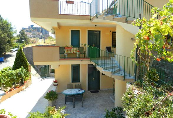 Holiday apartment Fewo mit Terrasse im Panorama-Dorf bei Taormina (737399), Forza d'Agro', Messina, Sicily, Italy, picture 2
