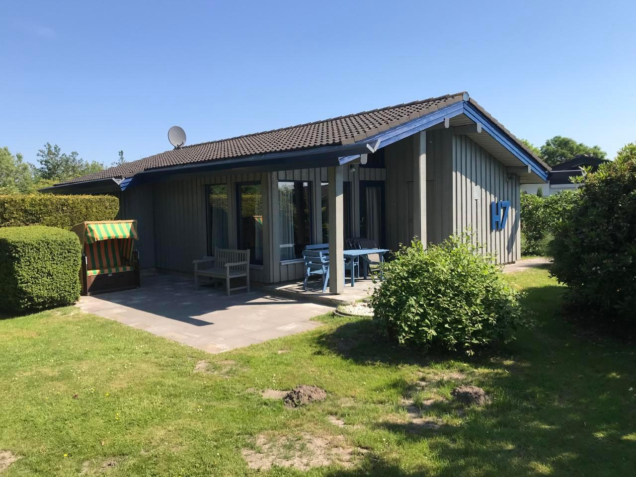 Holiday house Freistehendes Holz-Ferienhaus auf eigenem Grundstück direkt Nordsee im Feriendorf Eckwarde (76468), Eckwarderhörne, Jade Bight, Lower Saxony, Germany, picture 2