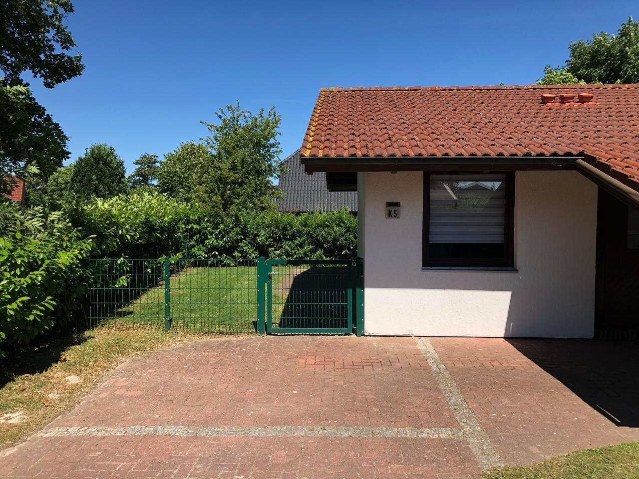 Holiday house Freistehendes Ferienhaus (eingezäunt) mit eigenem Grundstück dir. Nordsee im Feriendorf Ec (76478), Eckwarderhörne, Jade Bight, Lower Saxony, Germany, picture 2