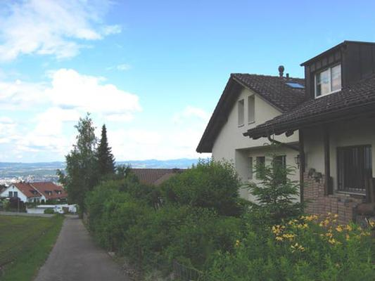 Ferienwohnung 2,5 Zimmer Wohnung an ruhiger Lage; Nichtraucher; top neu renoviert, (769446), Forch, Zürich (Stadt), Zürich, Schweiz, Bild 1