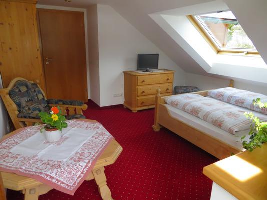 Ferienwohnung Gästehaus am Berg,Ferienwohnung Panorama, 3 Schlafzimmer (771657), Hirschegg, Kleinwalsertal, Vorarlberg, Österreich, Bild 7