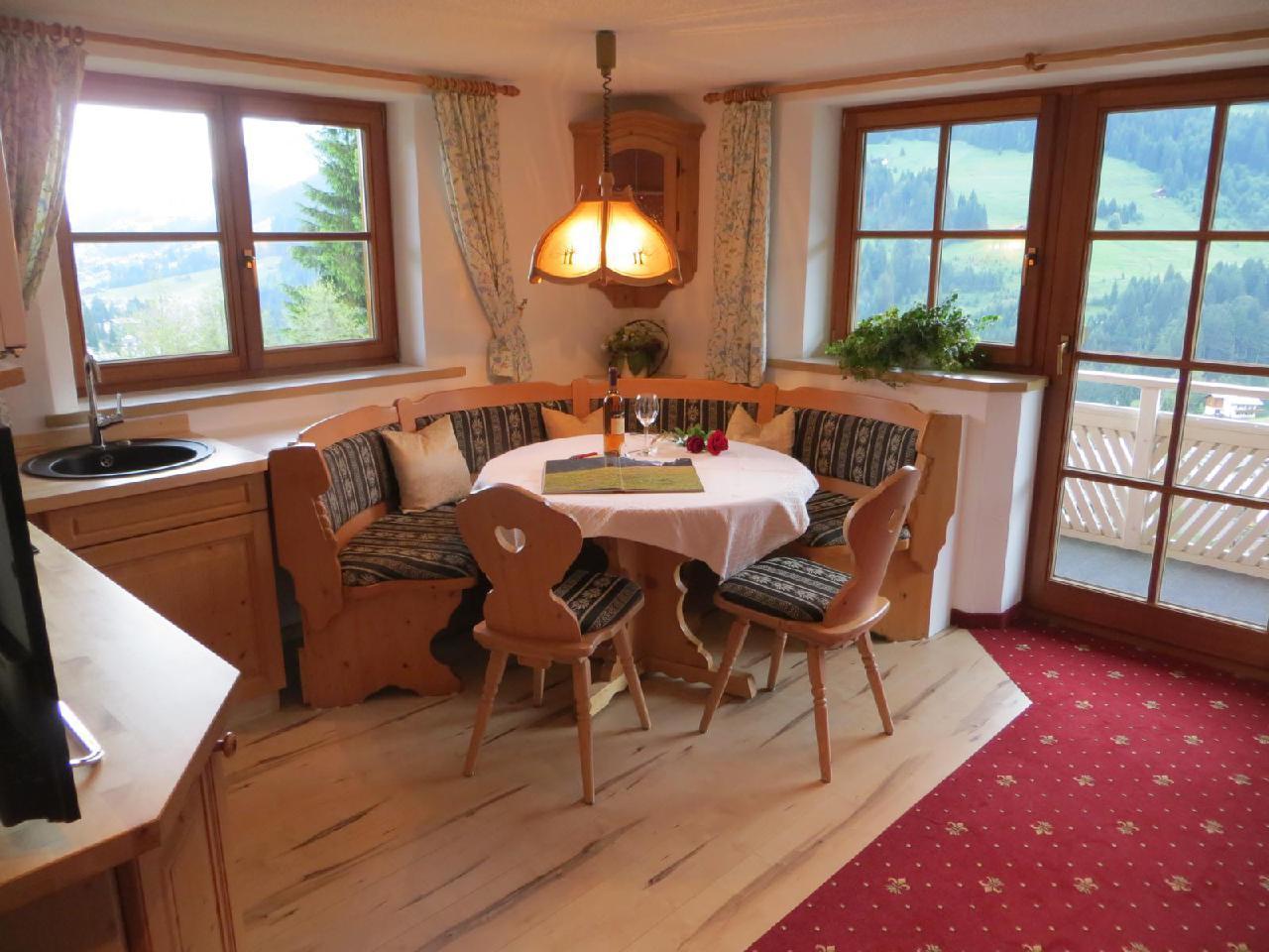 Ferienwohnung Gästehaus am Berg, Ferienwohnung Kanzelwand, 4 Schlafzimmer (772001), Hirschegg, Kleinwalsertal, Vorarlberg, Österreich, Bild 4