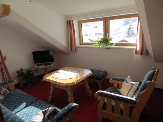 Ferienwohnung Gästehaus am Berg, Ferienwohnung Talblick, 2 Schlafzimmer (817277), Hirschegg, Kleinwalsertal, Vorarlberg, Österreich, Bild 8