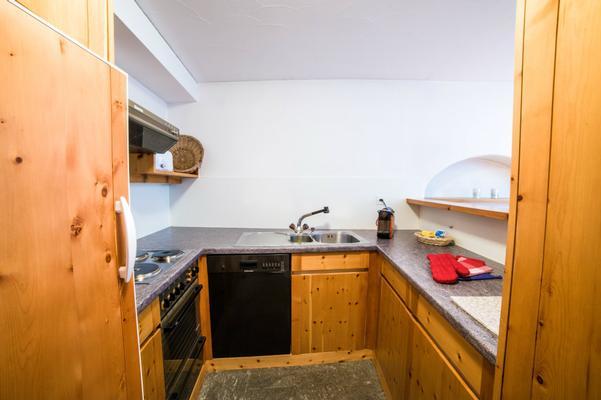 ferienwohnung bever mit terrasse oder balkon f r bis zu 4 personen mieten. Black Bedroom Furniture Sets. Home Design Ideas