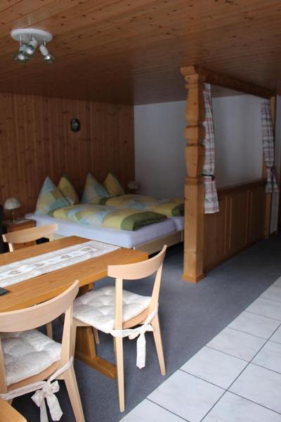 chalet spinne 2 1 2 zimmer wohnung. Black Bedroom Furniture Sets. Home Design Ideas