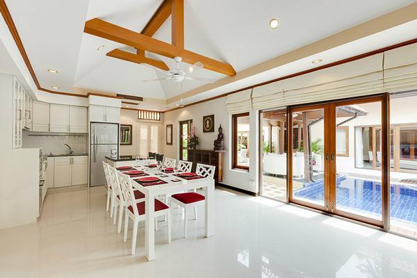 ferienhaus pattaya 6 personen thailand ostthailand 529560. Black Bedroom Furniture Sets. Home Design Ideas