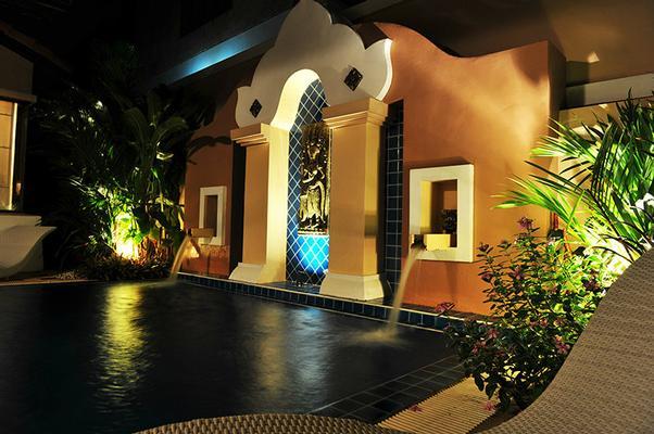 ferienhaus pattaya 6 personen thailand ostthailand. Black Bedroom Furniture Sets. Home Design Ideas