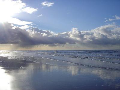 Das Meer gibt Ruhe an Ihrem Kopf.