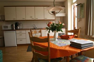 Küche und Zimmer.