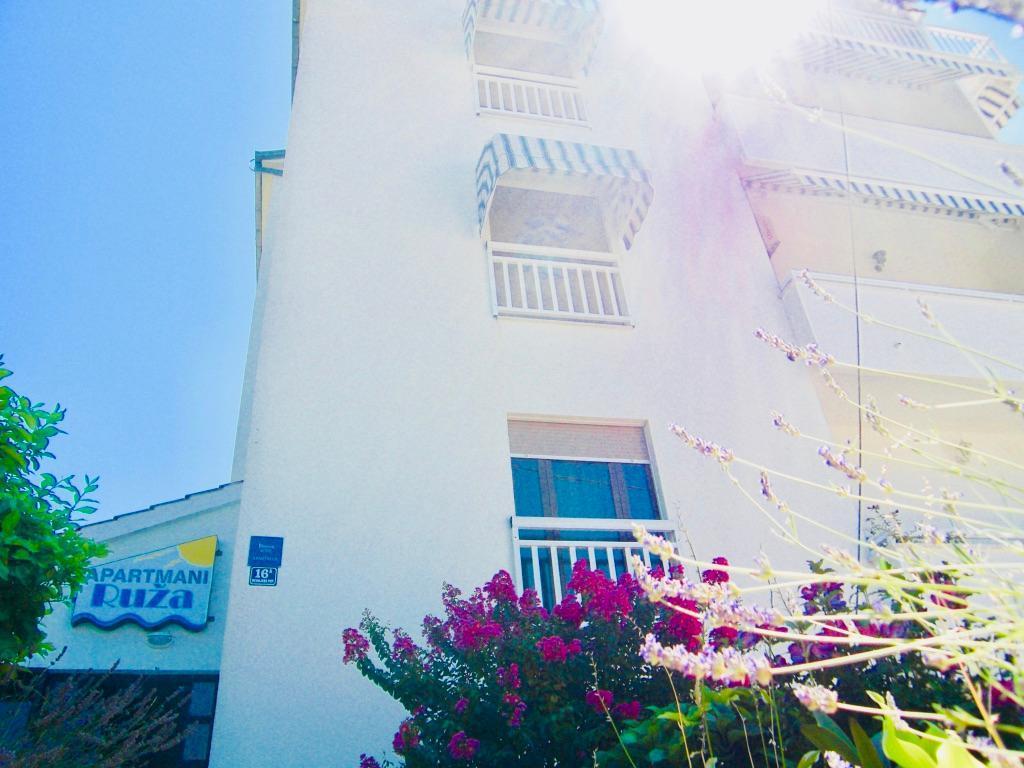 Ferienwohnung Apartmenthaus Ruza 6 - Apartment (98382), Kaštel Štafilić, , Dalmatien, Kroatien, Bild 2