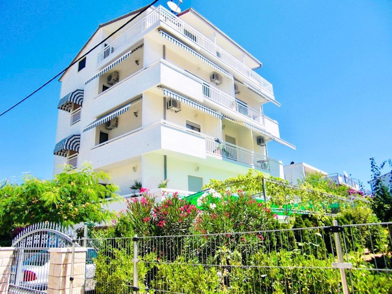 Ferienwohnung Apartmenthaus Ruza 7 - Studio (98388), Kaštel Štafilić, , Dalmatien, Kroatien, Bild 1