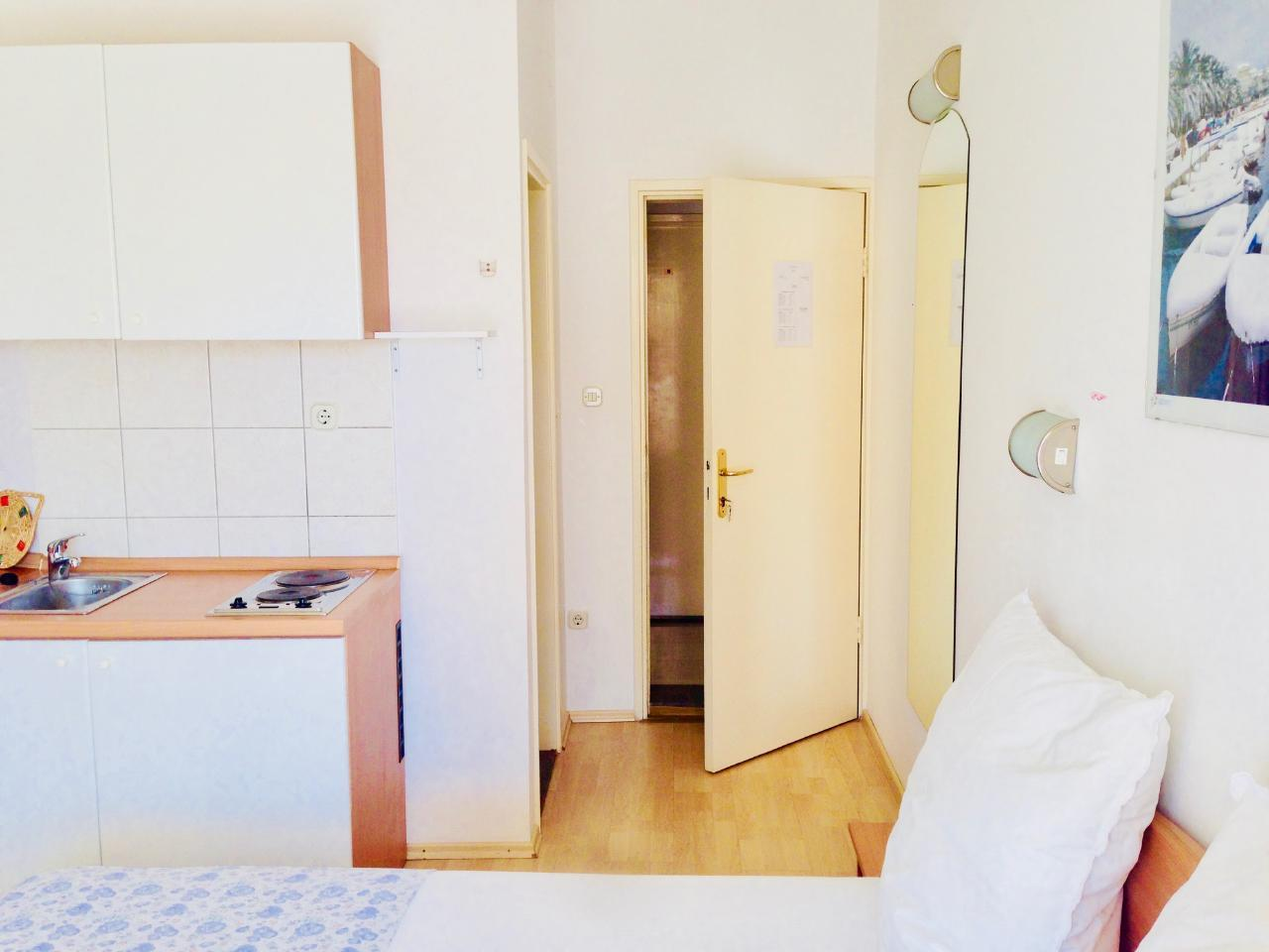 Ferienwohnung Apartmenthaus Ruza 3 - Studio (98391), Kaštel Štafilić, , Dalmatien, Kroatien, Bild 5