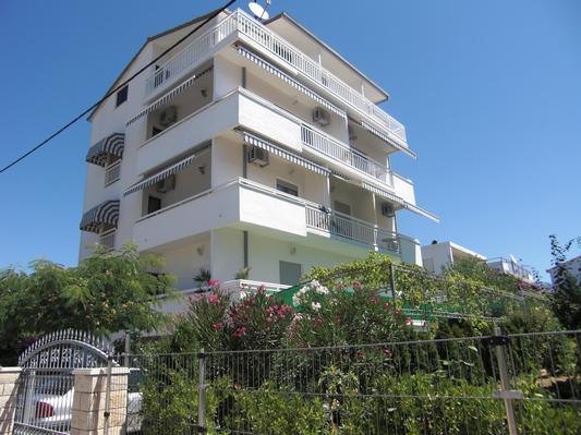 Ferienwohnung Apartmenthaus Ruza 3 - Studio (98391), Kaštel Štafilić, , Dalmatien, Kroatien, Bild 2