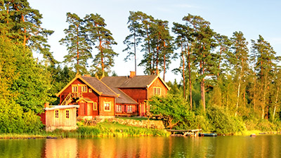 Holiday homes near a lake